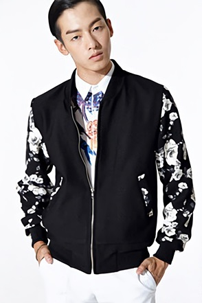 SLEEVE FLOWER BLOUSON플라워 배색 블루종[one color / one size]