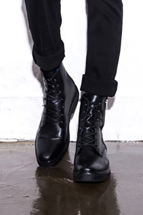 SIDE ZIP-UP BLACK BOOTS